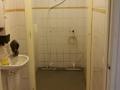 vloer met douche goot geplaatst
